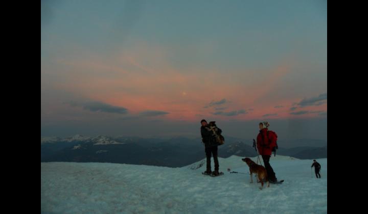 La CiaspoGolem al tramonto, sullo sfondo il Monte Baldo