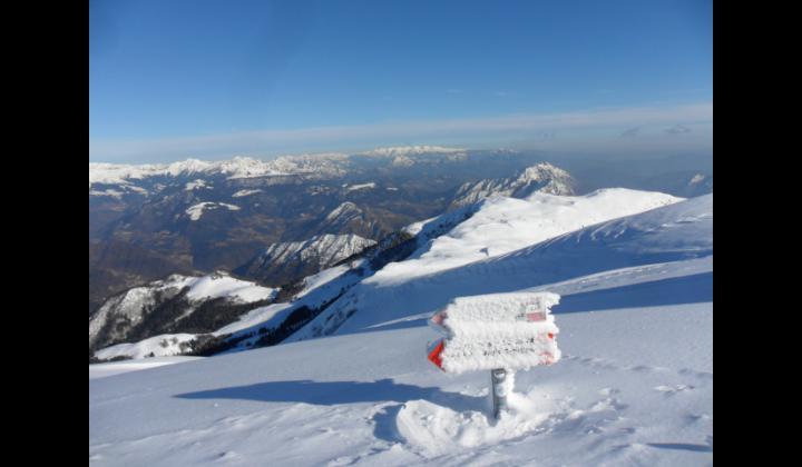 Vista panoramica della Val Trompia dal Monte Guglielmo mt. 1949