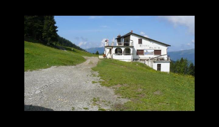Rifugio Blanchì in località Pezzeda Sera