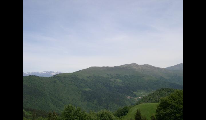 Paesaggio tra i boschi della Valle Trompia
