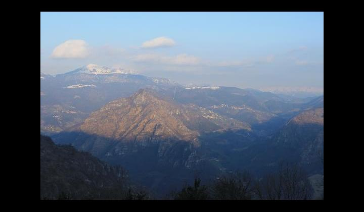 Monte Ario mt. 1756, i Piani di Vaghezza e i paesi di Marmentino e Bovegno