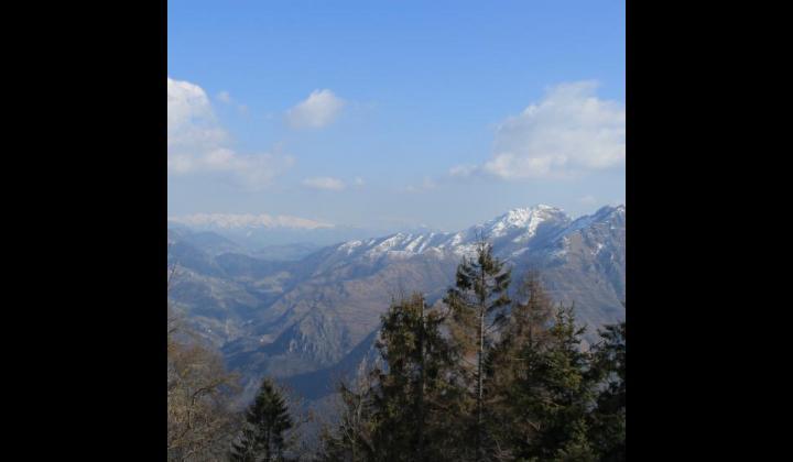 Vista del Monte Baldo mt. 2218 dalla località Campedei