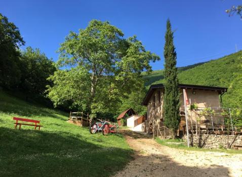 Fiabe, giochi ed esperimenti nel marroneto a Bovezzo